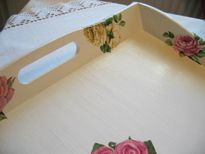 A tray with roses