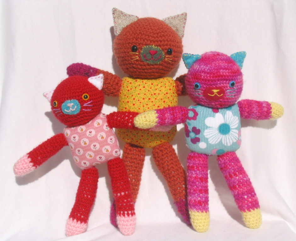 Three little amigurumi cats by Melissa in Australia at Oh sew pretty!