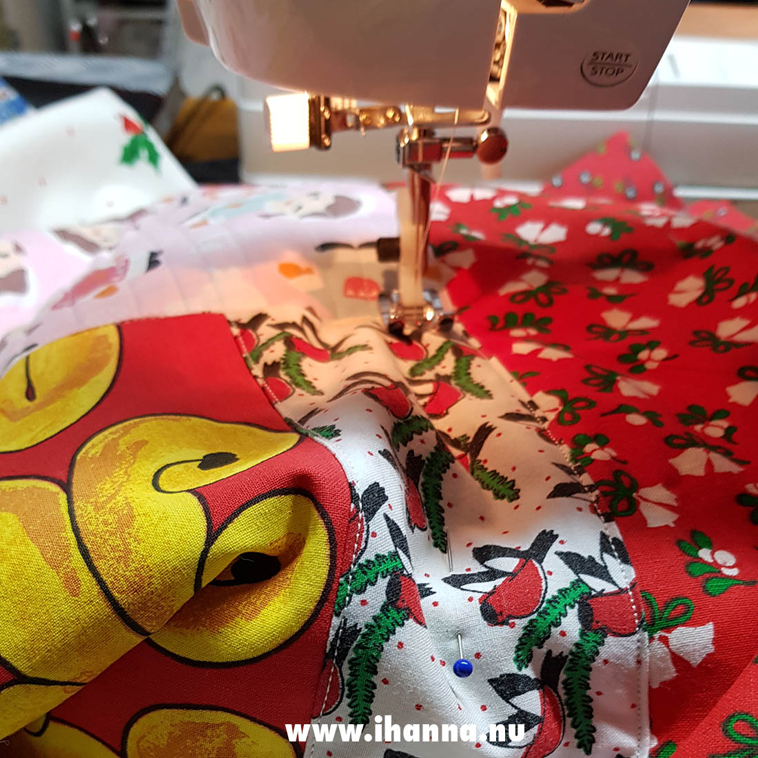 Sewing a Christmas table runner for myself